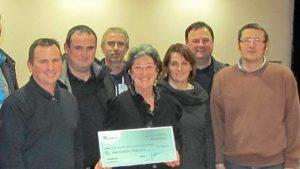 Un chèque de 1 074 € a été remis mardi soir à Myosotis